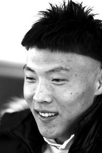 """于大宝以全新蘑菇头出征葡超本菲卡500万中甲""""淘宝"""""""