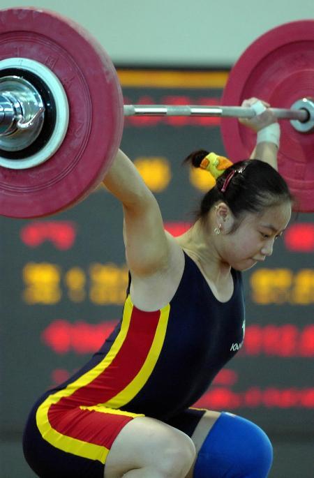步枪-青年小花图文准备锦标赛潘女子射击不能64式全国单发就绪举重吗图片