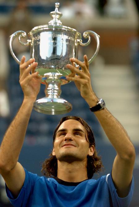 费德勒夺得美网男单冠军费德勒举杯庆贺