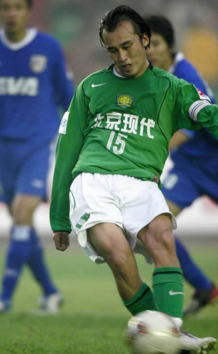 图文-[中超]北京现代3-0上海申花陶伟点球建功