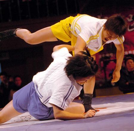 图文-中国跤王争霸赛总决赛罗富玉夺52公斤级冠军