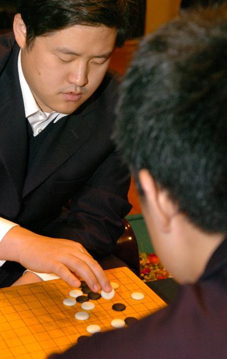 图文-常昊、古力跻身NEC杯决赛周鹤洋不敌古力