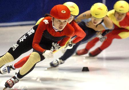 图文-速滑赛女子1000米程晓蕾夺冠群芳争艳我领先