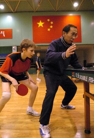 基地:乒乓球——中国乒乓球队训练图文里的外渭南学游泳图片