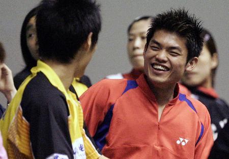 图文-国家队模拟赛备战苏杯林丹开怀大笑