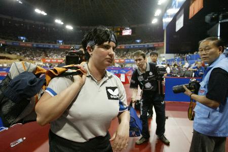 图文-世乒赛女子单打第三轮巴托菲愤然退场