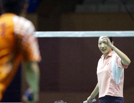 图文-国家队备战苏迪曼杯老将张宁认真对待训练