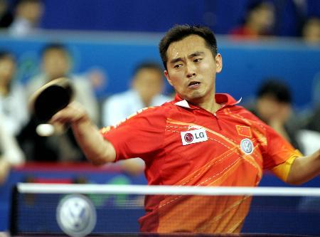 图文-世乒赛男子单打第三轮孔令辉强行侧身博杀