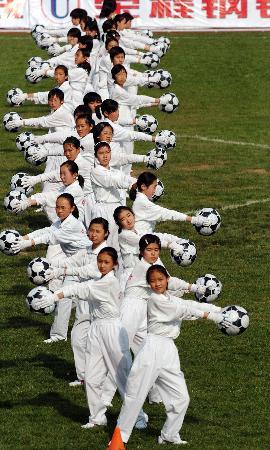 图文-[女超]天津揭幕战1-0河北女生也喜爱足球