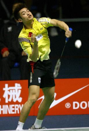 图文-苏迪曼杯中国队首战胜瑞典队林丹挥拍瞬间
