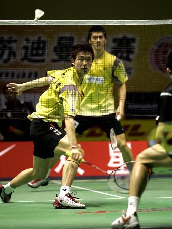 图文-苏迪曼杯中国5-0香港蔡�S/付海峰配合默契