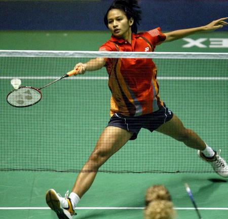 图文-苏杯半决赛印尼胜丹麦哈里欲放网前小球
