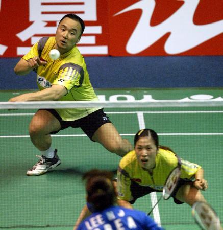 图文-苏杯半决赛中国完胜韩国张军后场回球
