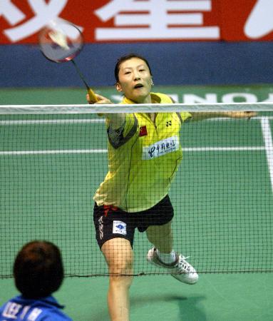 图文-苏杯半决赛中国完胜韩国张宁网前回球