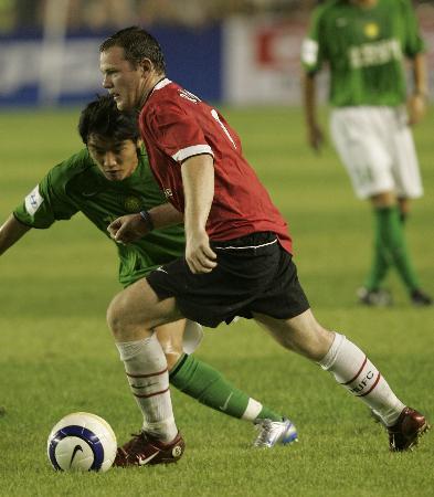 图文-北京现代0-3曼联无人能挡风之子鲁尼