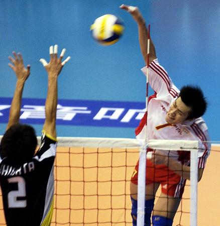 亚洲挑战杯男子排球赛 中国队汤淼大力扣球