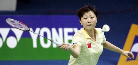 图文-周蜜胜谢杏芳中国队稳获羽球大师赛女单冠军