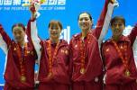 图文-江苏队夺得女子重剑团体冠军庆贺胜利