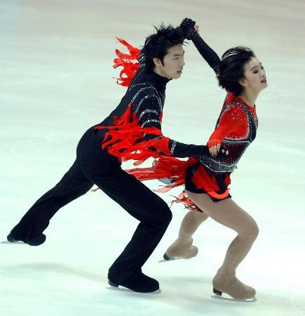 图文-十运会冰舞项目决出金牌重庆组合夺得铜牌