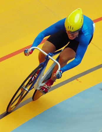 图文-自行车场地500米计时赛决赛姜翠华冲刺