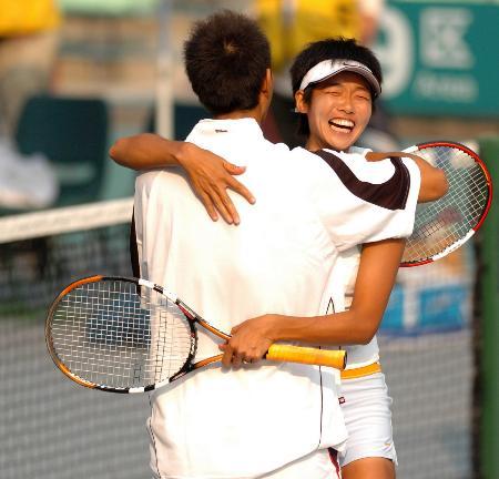 图文-十运会网球混合双打决赛李婷朱本强迎胜利
