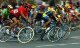 图文-自行车男公路184公里个人赛车手齐头并进