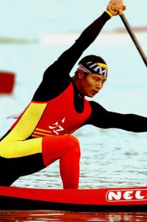 图文-皮划艇今日决出六枚金牌奥运冠军杨文军折桂