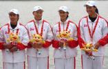 图文-女子500米四人皮艇决赛河北队选手夺得亚军
