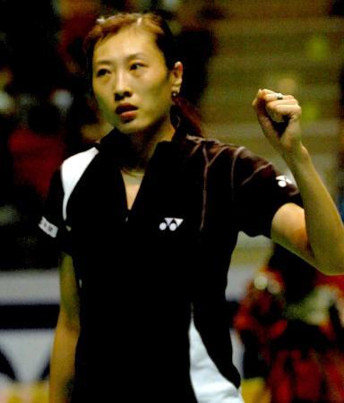 香港羽球赛张宁2比0皮红艳奥运冠军找回自我