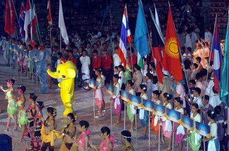 图文:首届亚洲室内运动会在曼谷拉开帷幕(3)