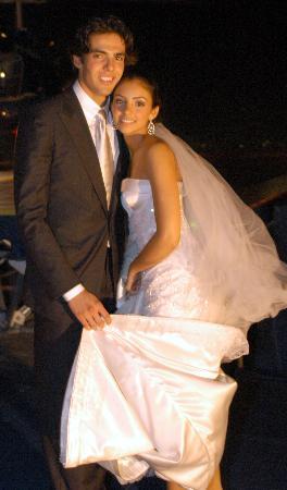 图文-巴西球星卡卡举行婚礼卡卡与漂亮的新娘