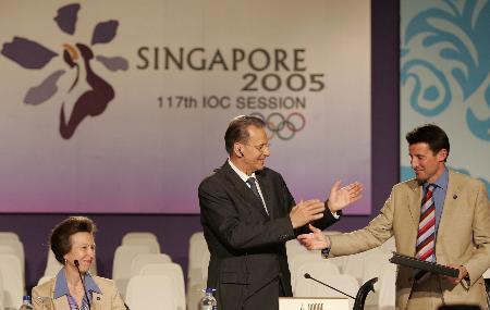 图文-2005年国际体育十大新闻伦敦申奥成功