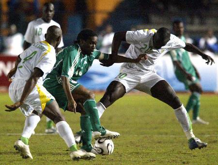尼日利亚夺得季军奥科查突出重围
