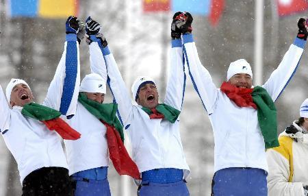 图文-冬奥颁奖图大全越野滑雪男子4X10意大利夺冠
