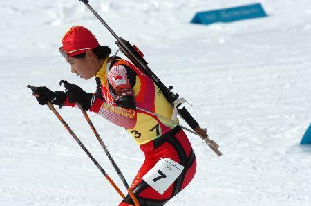 图文-冬季两项子4×6公里接力赛中国选手一丝不苟