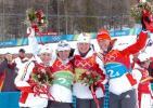 图文-冬季两项子4x6公里接力赛夺得亚军表情灿烂