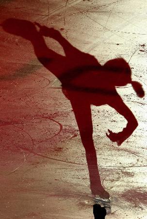 图文-女子单人滑表演亦真亦幻村主章枝影像