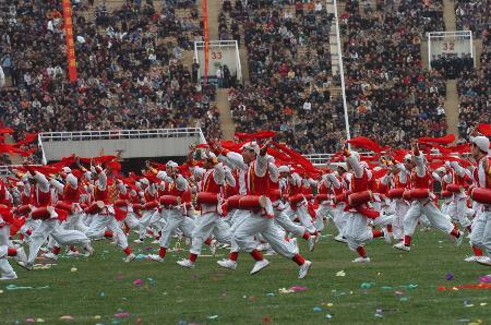 图文-2006中超联赛开幕式锣鼓喧阗联赛红火一年