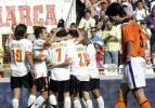 图文-[西甲]瓦伦西亚3-0阿拉维斯蝙蝠军团庆胜利