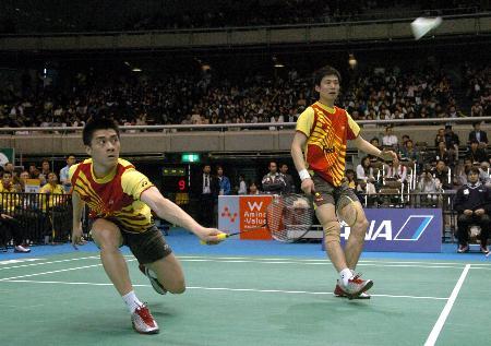 图文-中国男女队双双晋级四强付海峰反手挑高球