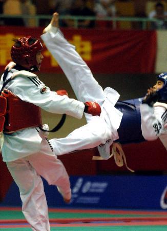 图文-跆拳道全国锦标赛新疆张岳男子54公斤级夺冠