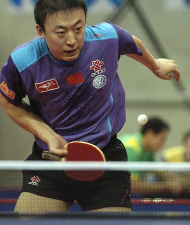 图文-乒球名将亮相中国公开赛马琳上演王者无敌