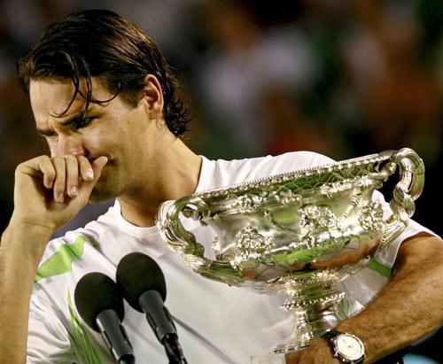 费德勒赛后泣不成声:夺冠是任务这一次尤其困难