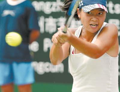广州网球公开赛资格赛开打高温考验选手体能(图)