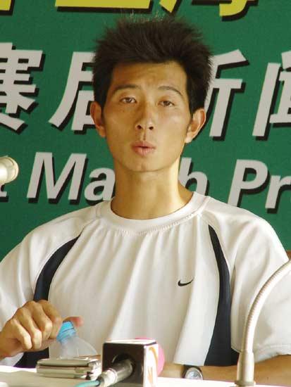图文-上海网球赛朱本强落败发布会坦承落败原因
