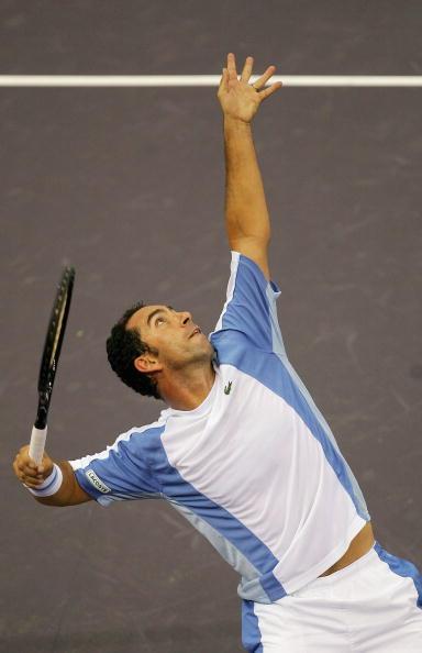 图文-马德里网球大师赛首日战况科斯塔大力发球