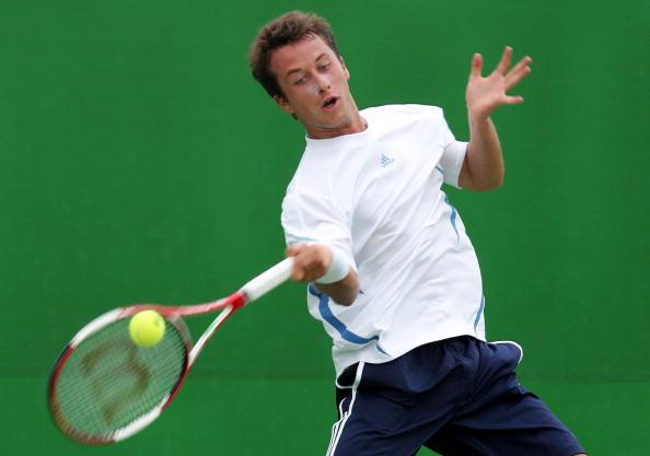 图文-澳大利亚网球赛首日 科赫尔斯奇雷伯格回球