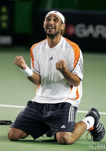 图文-黑马巴格达蒂斯进澳网决赛大胡子创造奇迹