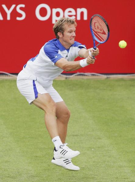 图文-ATP诺丁汉公开赛激战托-约翰森翘臀回球