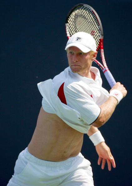 图文-洛杉矶网球赛产生八强沙俄屠夫图萨诺夫